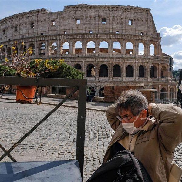 Itália renova restrições contra a Covid com protestos da direita