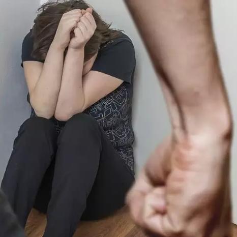 Lei vai proteger mulheres de companheiros violentos