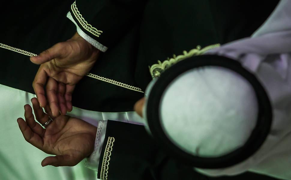 RFI: muçulmanos tem desafio de celebrar Ramadã em confinamento