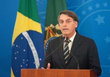 Bolsonaro diz que tomará medidas legais contra abusos