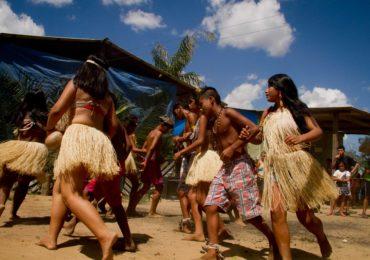 Governo deve retirar garimpeiros de terra indígena em Roraima