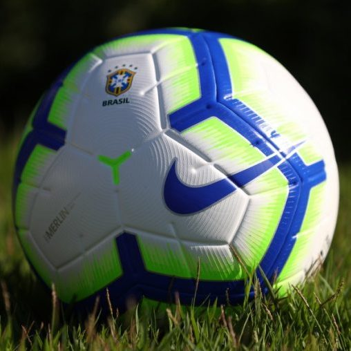 Futebol pode ser paralisado na Europa por causa da pandemia