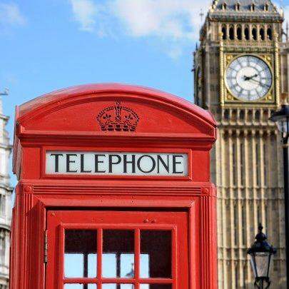 RFI: Inglaterra sofre com Covid-19 e deve adiar fim do confinamento