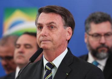 Bolsonaro revela que está com sintomas de Covid-19