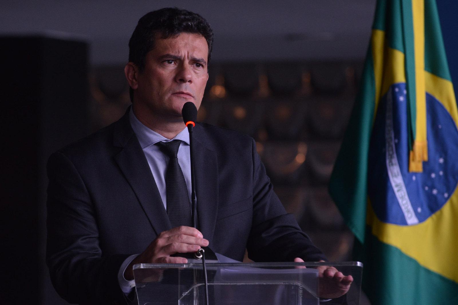 Moro ameaça deixar o governo se Bolsonaro trocar comando da PF