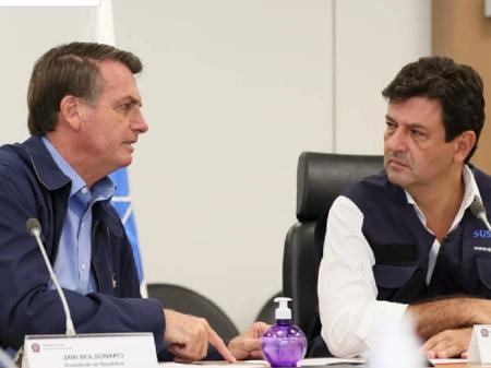"""Bolsonaro sobre Mandetta: """"falta humildade e deveria ouvir mais"""""""