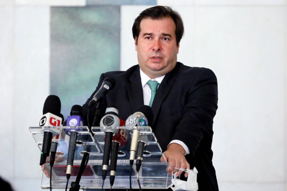 """Bolsonaro ataca Maia: """"Parece que intenção é me tirar do governo"""""""