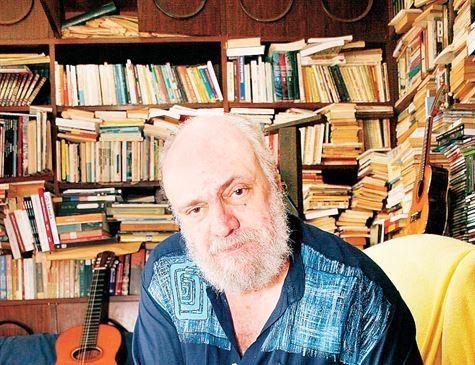 Músico Aldir Blanc está internado em estado grave com Covid-19