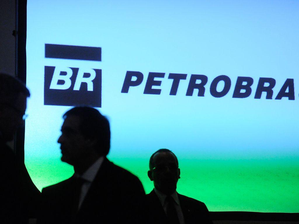 PF investiga câmbio com taxas superfaturadas na Petrobras