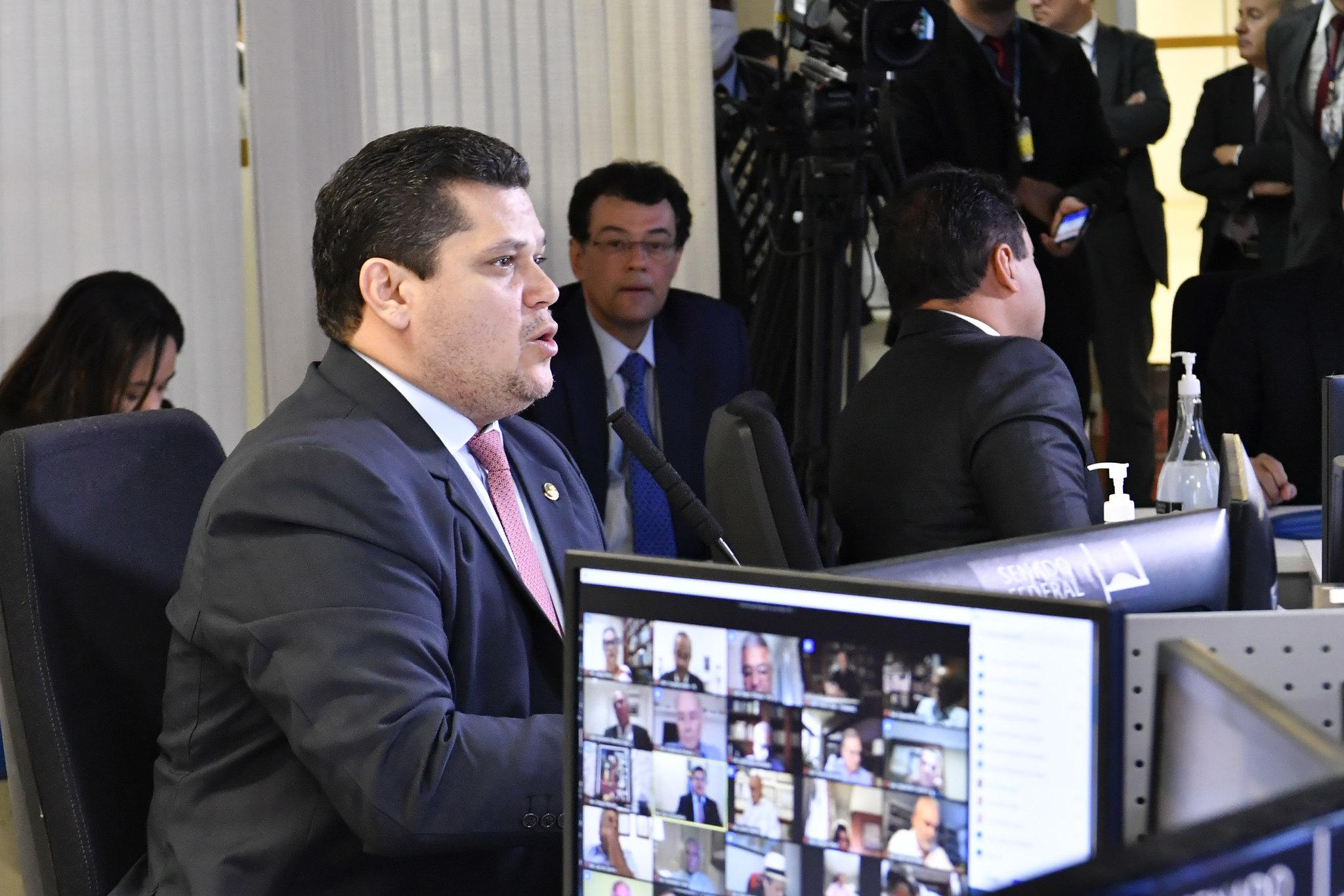 Senado aprova ampliação do auxílio de R$ 600