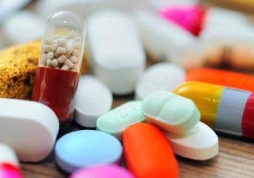 Mais de 400 medicamentos estão em teste no mundo para Covid-19