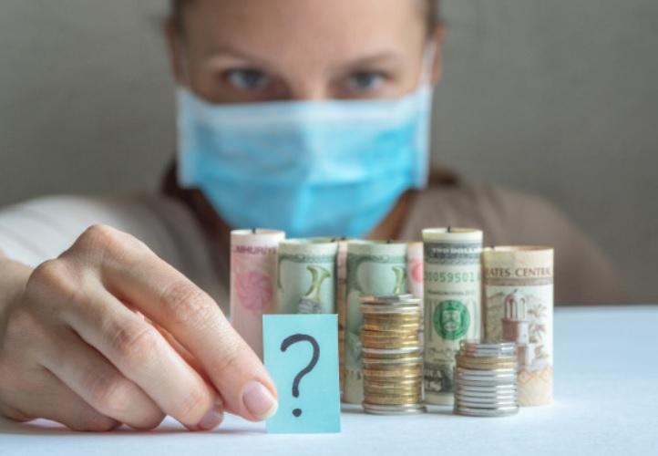Economista Laura Carvalho analisa cenário econômico na pandemia
