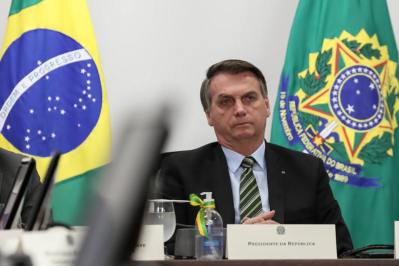 STF arquiva pedido de apreensão de celular de Bolsonaro