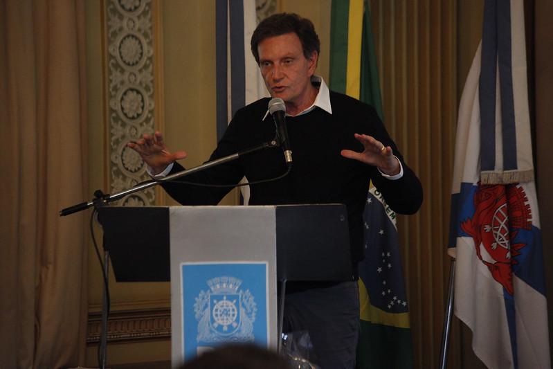 Prefeito impõe isolamento mais duro a sete bairros do Rio