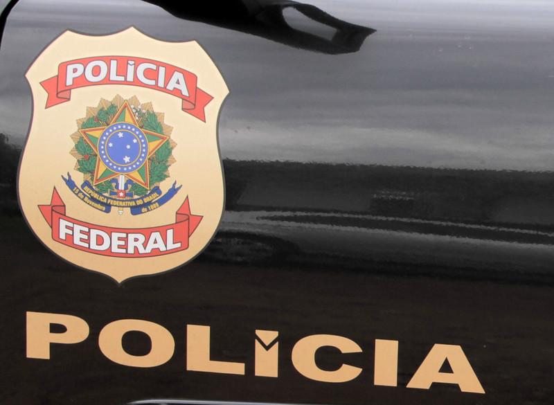 PF cumpre mandados e investiga desvios de até R$ 150 milhões