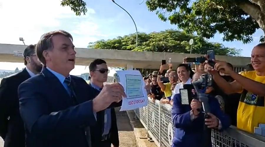 """Bolsonaro atribui agressão a jornalistas a """"infiltrados"""""""