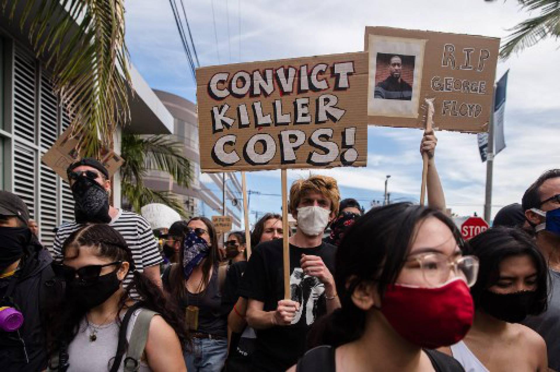 RFI: Protestos nos EUA foram mais pacíficos após acusação de policiais