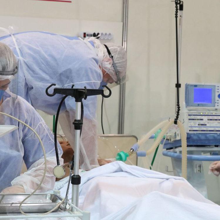 Infectologistas alertam em carta que hospitais estão lotados em SP