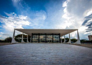 Planalto associa mortes por Covid-19 a governadores da oposição