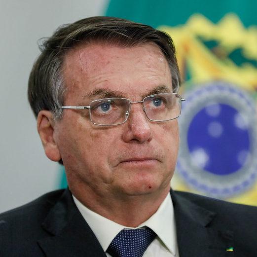 Fachin pede que Bolsonaro explique por que não usa máscara