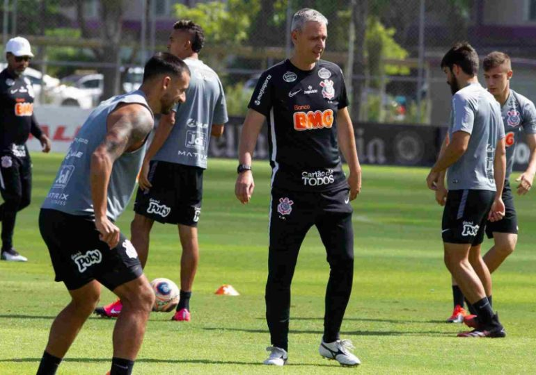 Corinthians realiza novos testes da Covid-19 no elenco