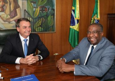 """Novo ministro da Educação promete """"diálogo"""" e gestão técnica"""