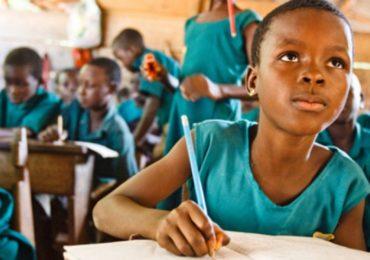 Falta de acesso à educação perpetua negros entre os mais pobres