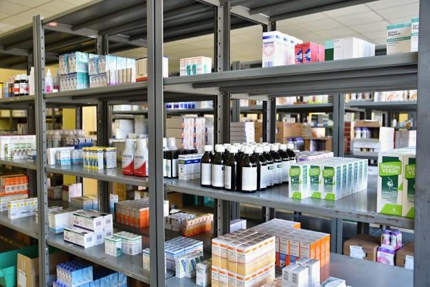 Estimativa da falta de farmacêuticos em redes privadas é de 15%