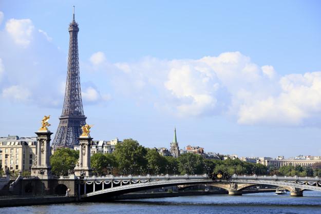 Coronavírus faz escolas fecharem após três dias abertas na França