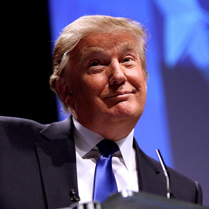 Donald Trump é absolvido em segundo processo de impeachment