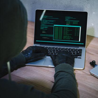 Hacker suspeito de invadir TSE reivindica ataque outras páginas