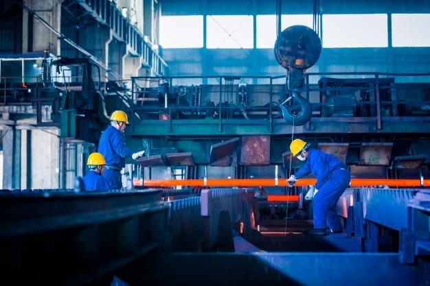 Indústrias têm leve melhora em meio a cenário negativo
