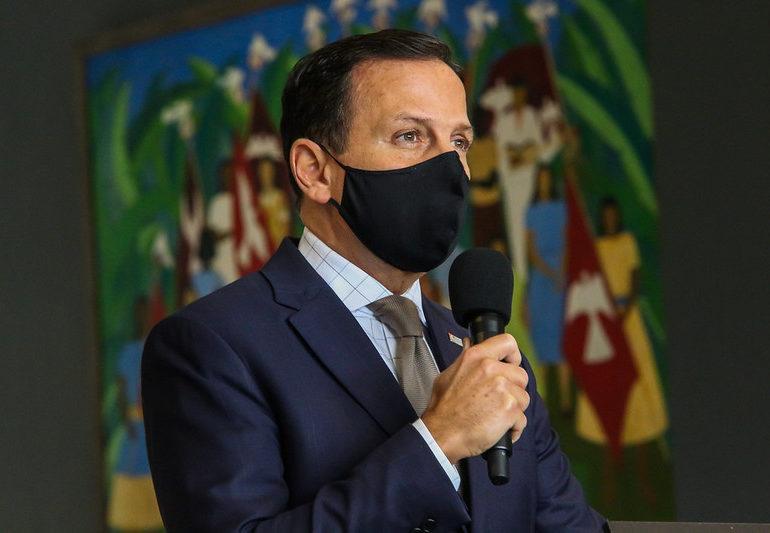 São Paulo vai multar estabelecimentos e pessoas que não usarem máscara