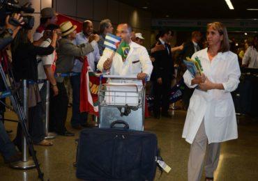 Ministério da Saúde contrata médicos cubanos para suprir escassez