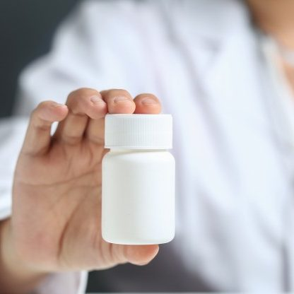 Falta de medicamentos coloca em risco vida de pacientes com Covid-19