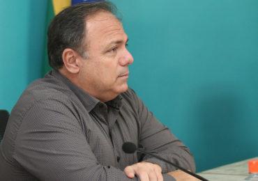 Brasil completa um mês sem titular no Ministério da Saúde