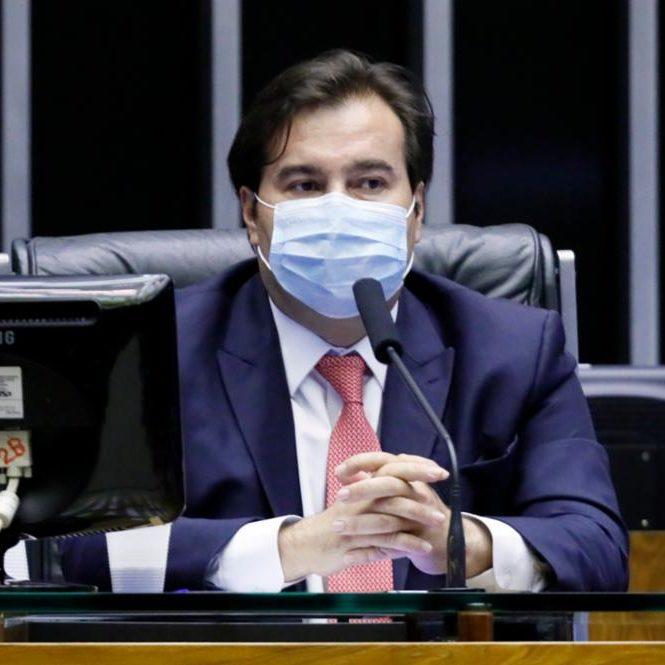 Parlamentares cobram Maia para pautar PEC do fim do foro
