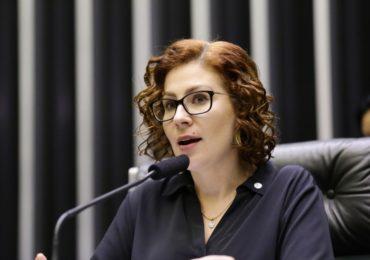 Weintraub e Carla Zambelli prestam depoimento à Polícia Federal