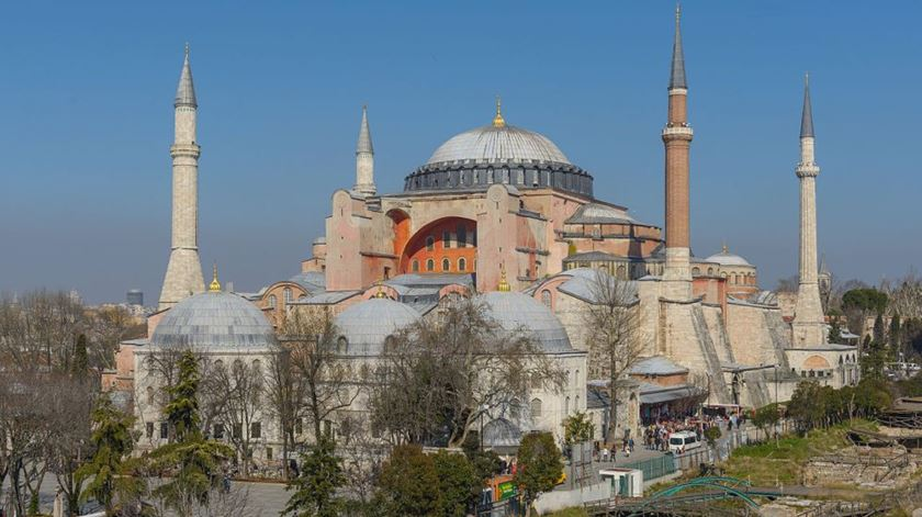"""Unesco """"lamenta profundamente"""" decisão da Turquia de transformar museu em mesquita"""