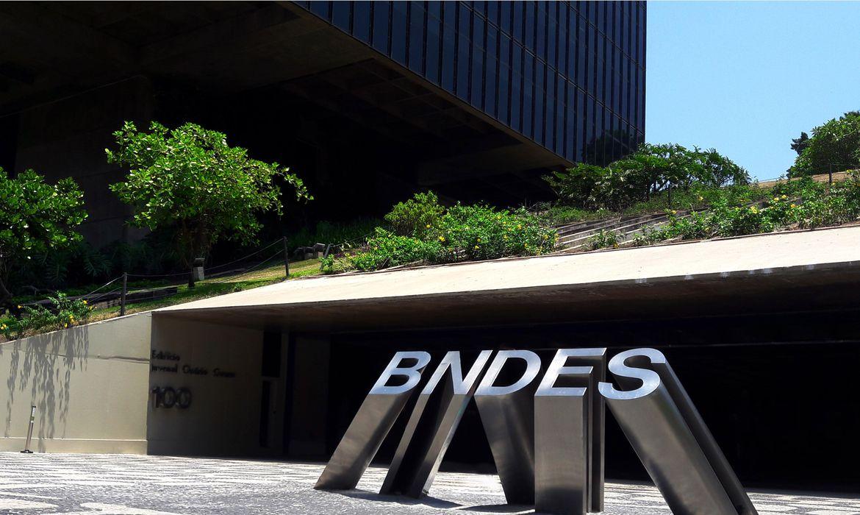 MP quer investigar propagandas do BNDES em sites de fake news