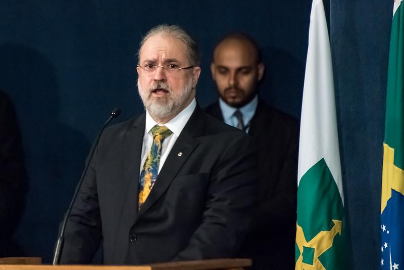 Políticos reagem às críticas de Aras a Operação Lava Jato