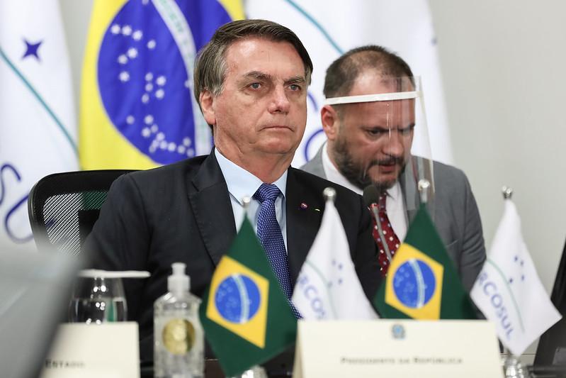"""Bolsonaro diz que está corrigindo """"opiniões distorcidas"""" da União Europeia"""