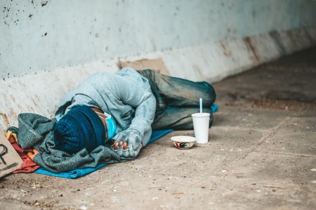 Número de pessoas na extrema pobreza é o menor em 40 anos