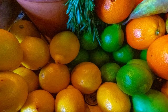 Fato ou Boato? Cascas de laranja e limão não têm ivermectina e cloroquina