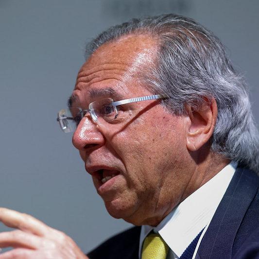 Guedes diz que Senado comete crime ao liberar reajustes salariais