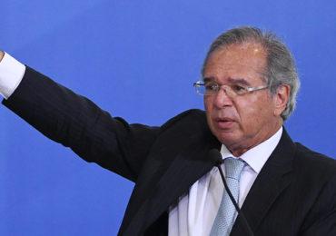 Guedes propõe tributo para bancar desoneração e programa social