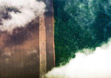 Senadores querem ouvir Mourão sobre queimadas na Amazônia