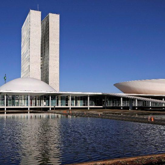 Trincheiras armadas: começa a CPI da Covid em Brasília