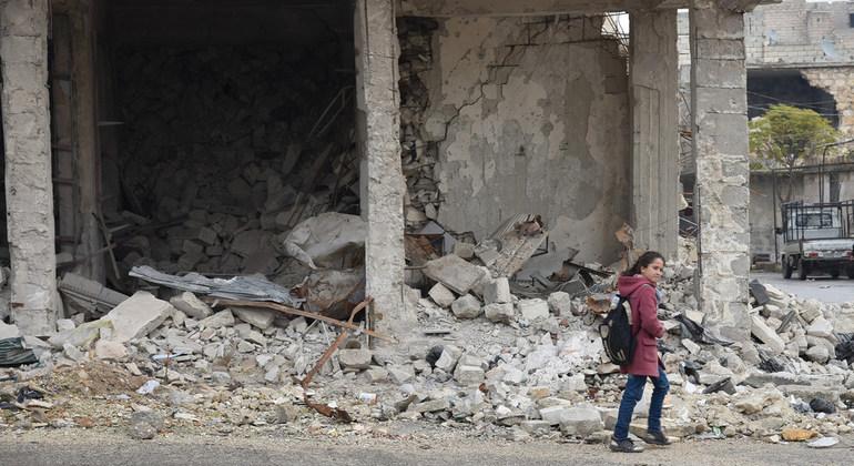"ONU: ""há indícios de novos crimes de guerra na Síria"""