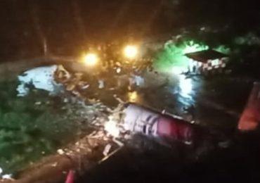 Avião cai na Índia e deixa 35 mortos e 2 feridos